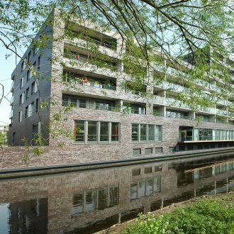 Appartementen, kantoren en parkeergarage in Schalkwijk in Haarlem