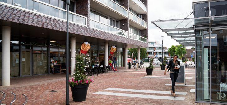 Winkelcentrum de Balken, wijkcentrum Malbak en woningen in de Bijvanck in Blaricum