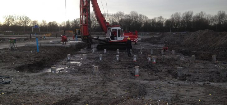 Eerste paal woningen VBM plan Vroonermeer-Noord te Alkmaar