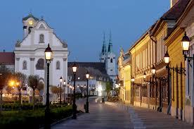 Nieuwe woningen in het historische VAC in Hongarije.