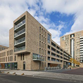 Appartementen en zorgcentrum Triton Wheermolen in Purmerend